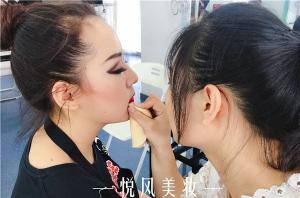 一名优秀的化妆师该具备的素质