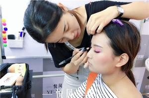 学化妆可以从事哪些工作?