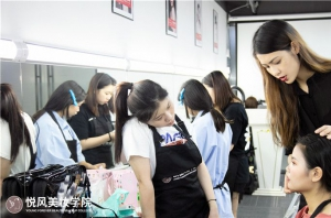 北京做新娘跟妆师怎样迈出第一步?